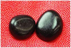 お食い初めの歯固め石の画像