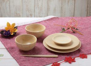 竹素材の食器セットの画像