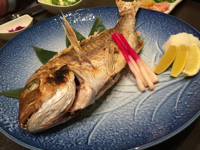 焼き魚の画像
